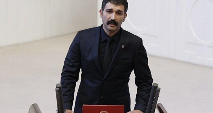 Barış Atay: Bu halk sizi iktidardan indirecek ve o gün Gezi'yi mumla arayacaksınız! | Video izle