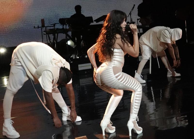 Camila Cabello Miami'de sahnede
