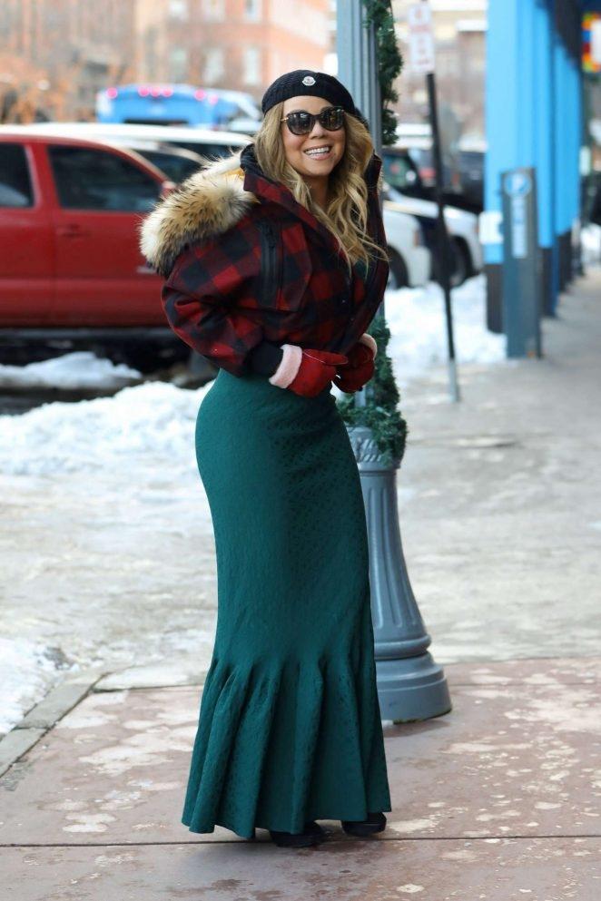 Mariah Carey yeşil etek ile Aspen'de