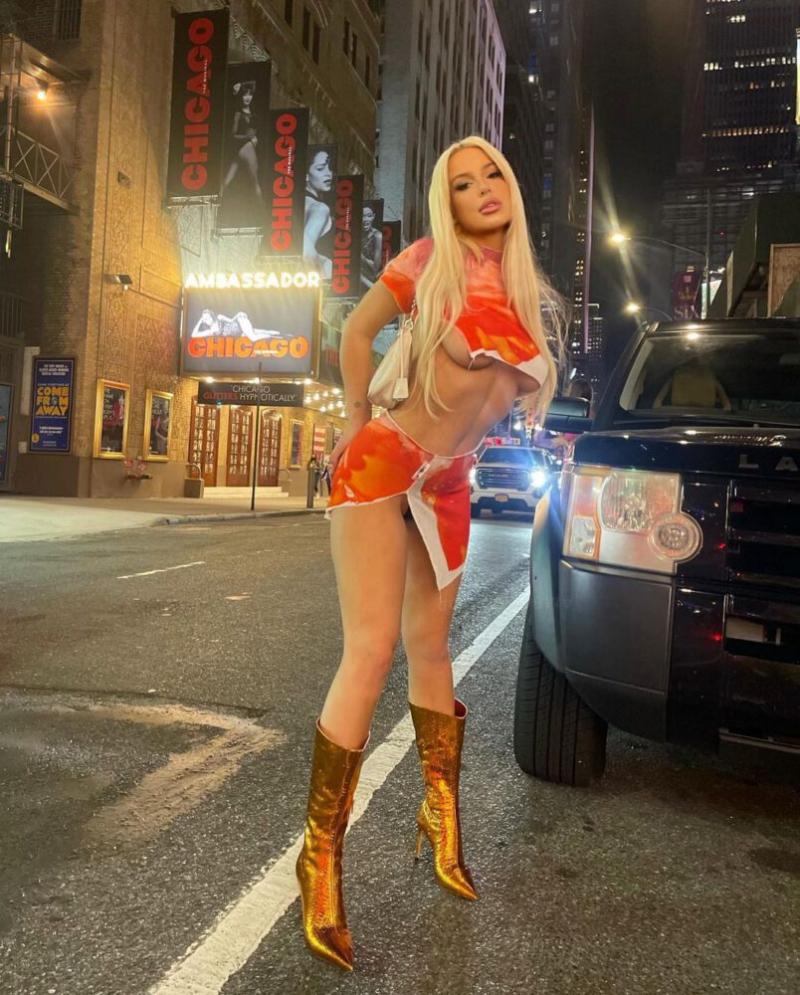 Tana Mongeau New York'ta