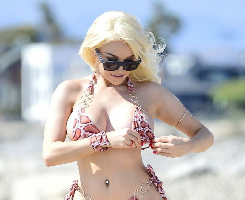 Courtney Stodden – Bikini ile Los Angeles'ta