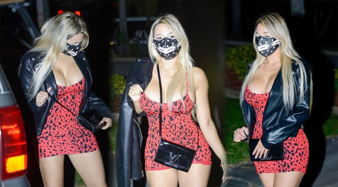 Bella Bunnie Amor mini elbise ile Miami'de