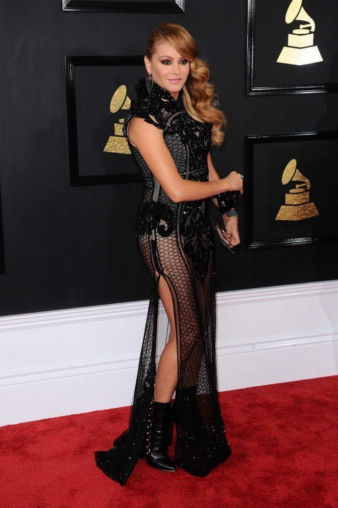 Paulina Rubio transparan elbiseyle