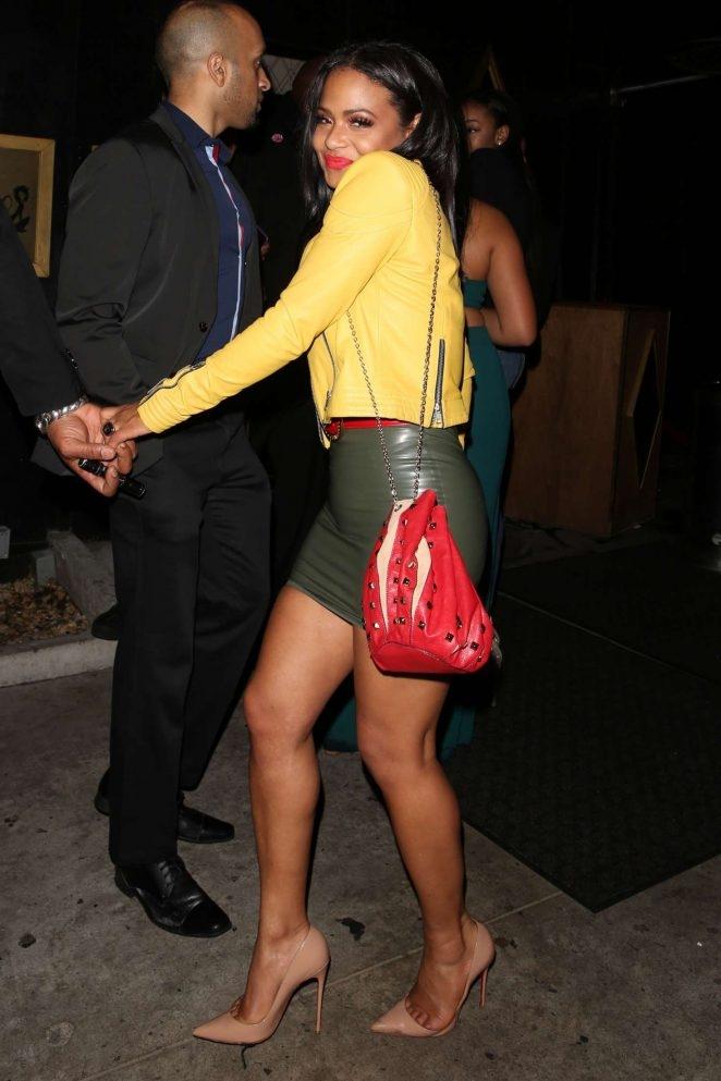 Christina Milian deri mini elbiseyle