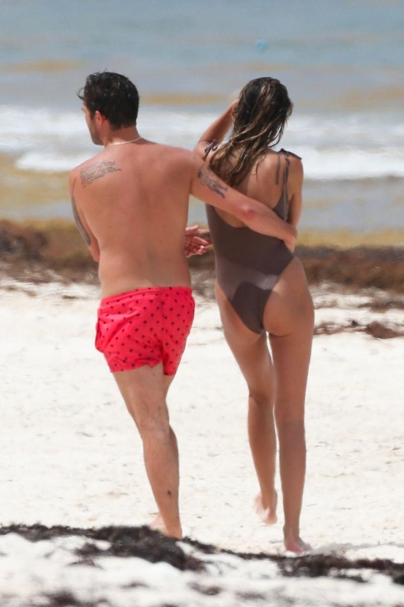 Jessica Serfaty mayo-Tulum plajı