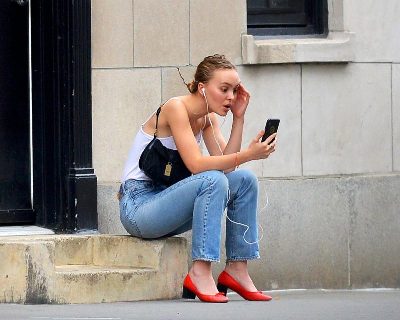 Lily-Rose Depp kot pantolonla New York'ta