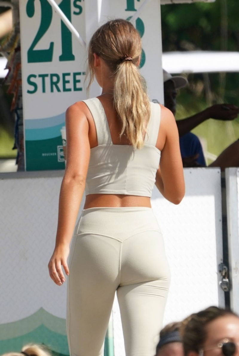 Georgia Gibbs taytla yogada