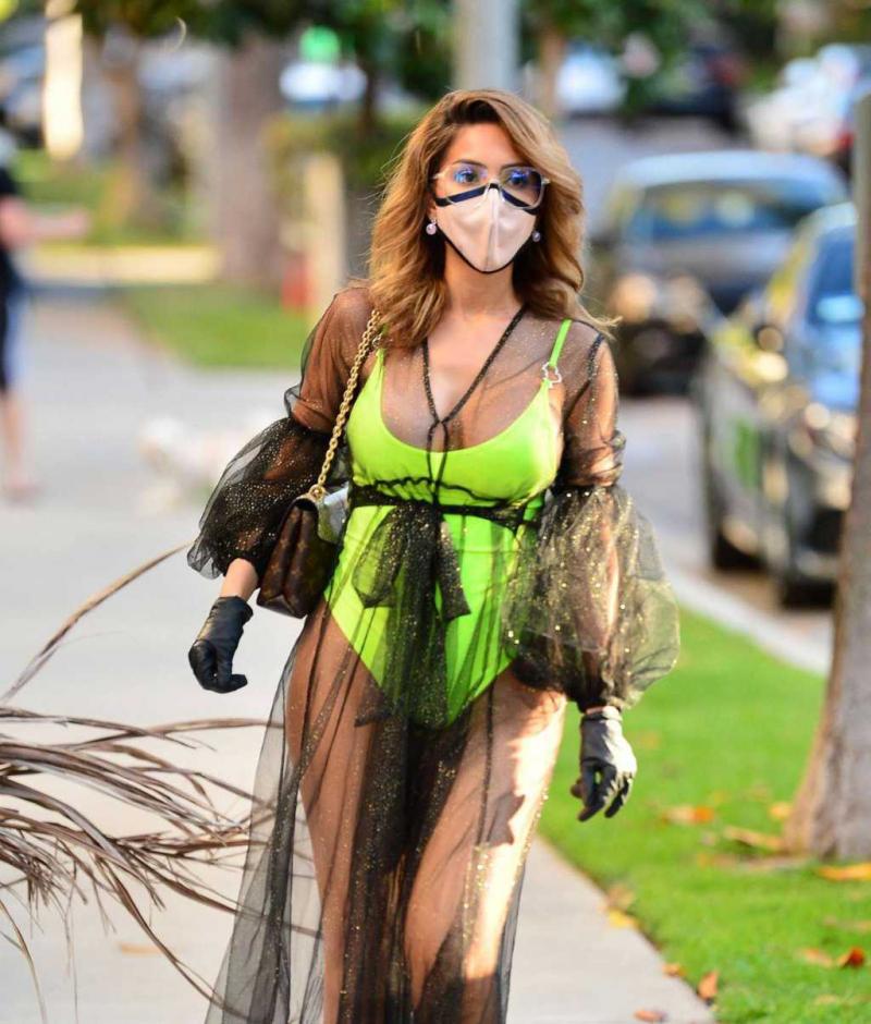 Farrah Abraham maskeyle Los Angeles'ta