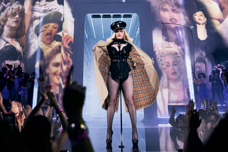 Madonna 2021 MTV video müzik ödülleri etkinliğinde