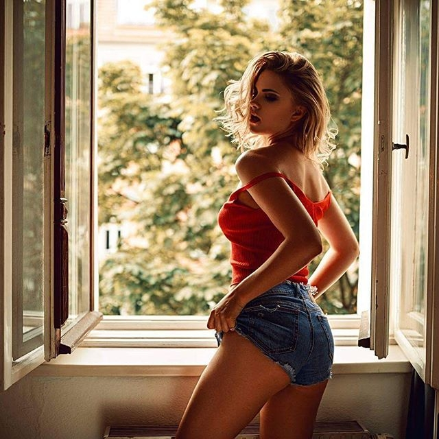 Carla Sonre