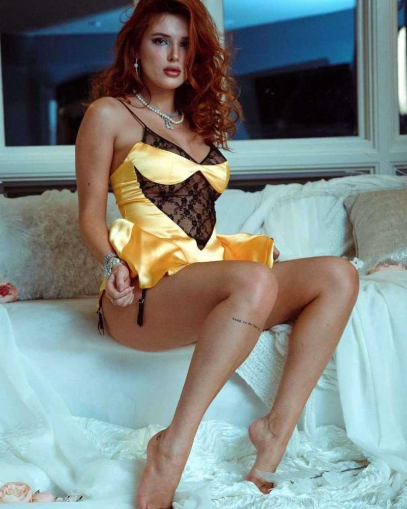Bella Thorne gecelik ve iç çamaşırı ile fotoğraf çekimlerinde