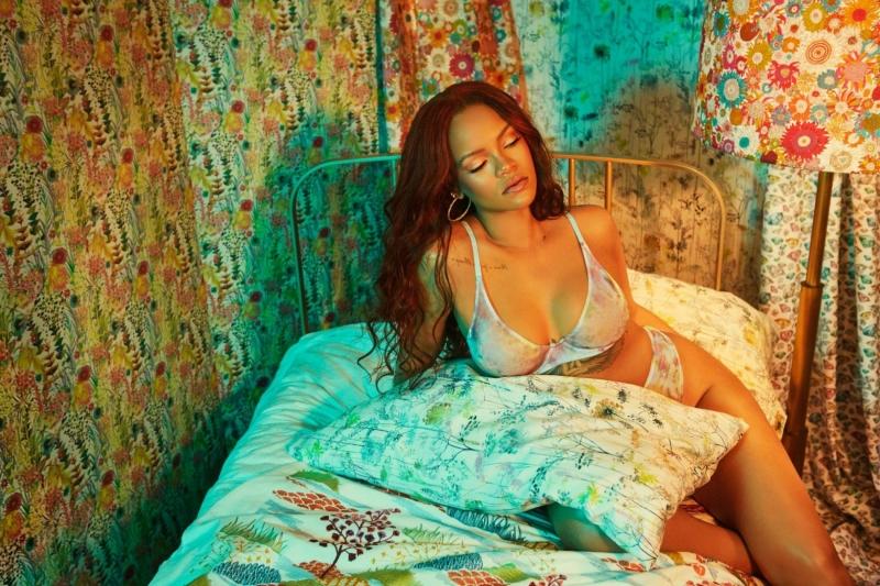 Rihanna – İç çamaşırı çekimleri