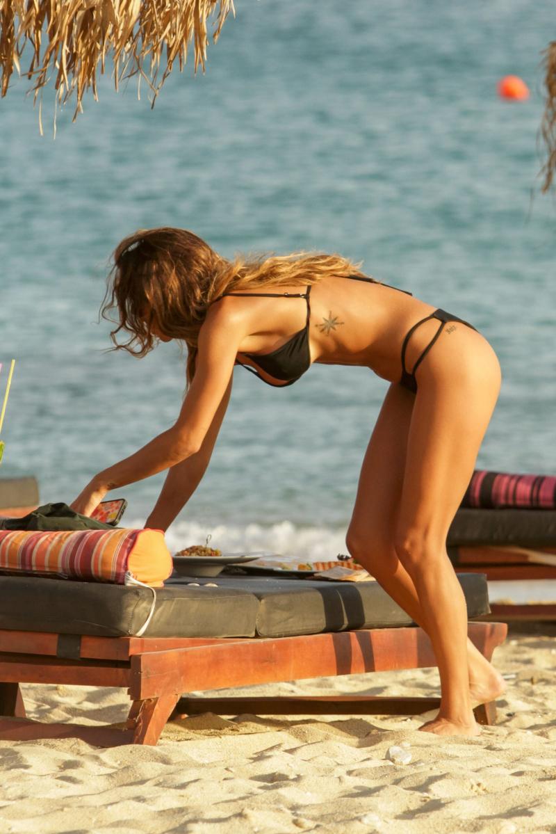 Chantel Jeffries bikiniyle Mykonos'ta 05/08/2021