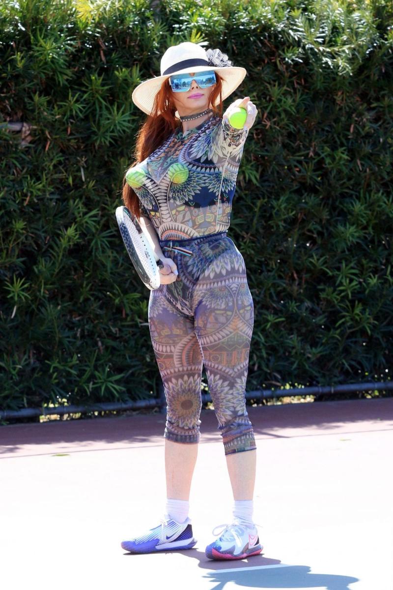 Phoebe Price Los Angeles'ta tenis kortunda 30/03/2021