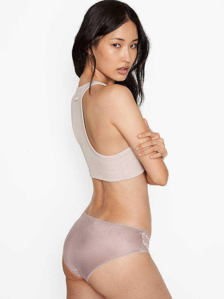 Hyunjoo Hwang Victoria's Secret Eylül 2020 çekimlerinde