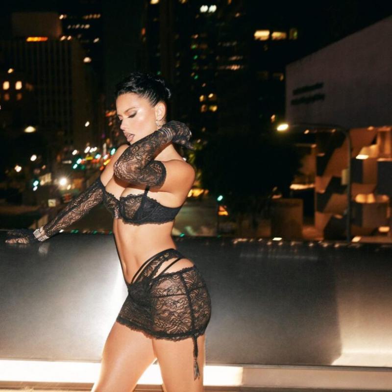 Adriana Lima Savage X Fenty çekimlerinde