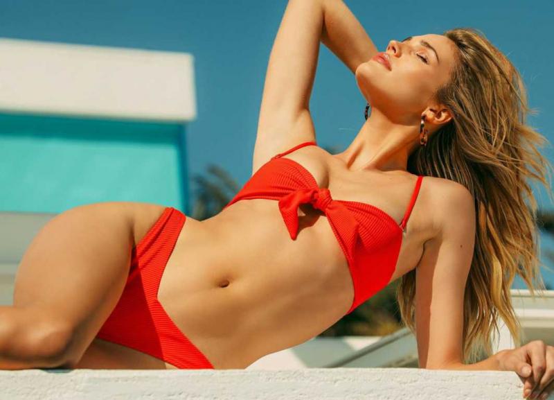 Noel Berry Frankies bikini çekimlerinde