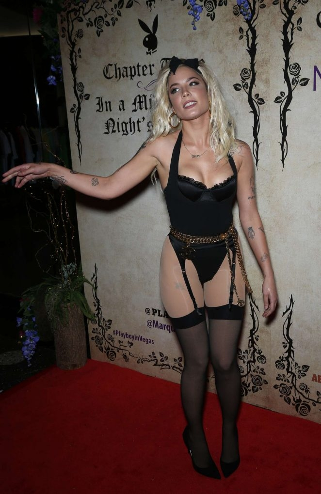 Halsey - fetiş kostüm