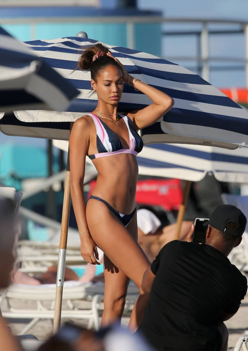 Joan Smalls - Miami plajı