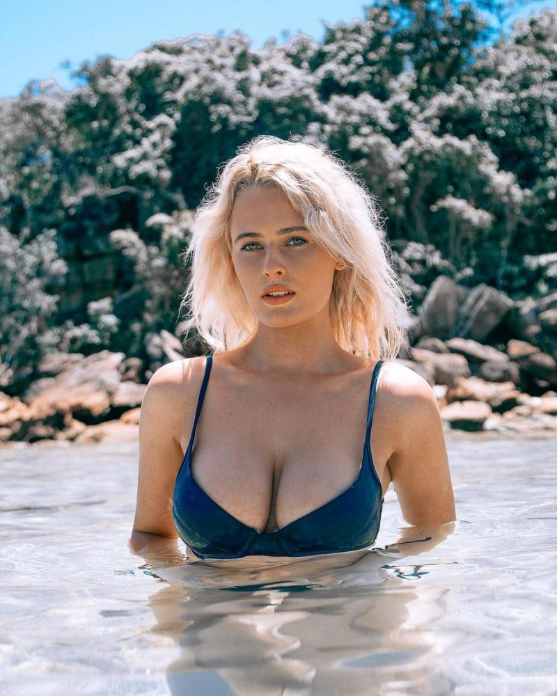 Bonnie-Lou Coffey