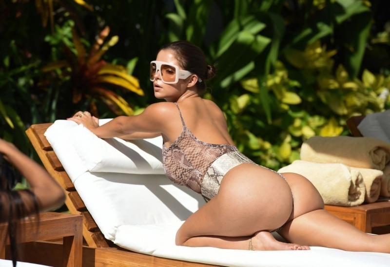 Demi Rose mayoyla