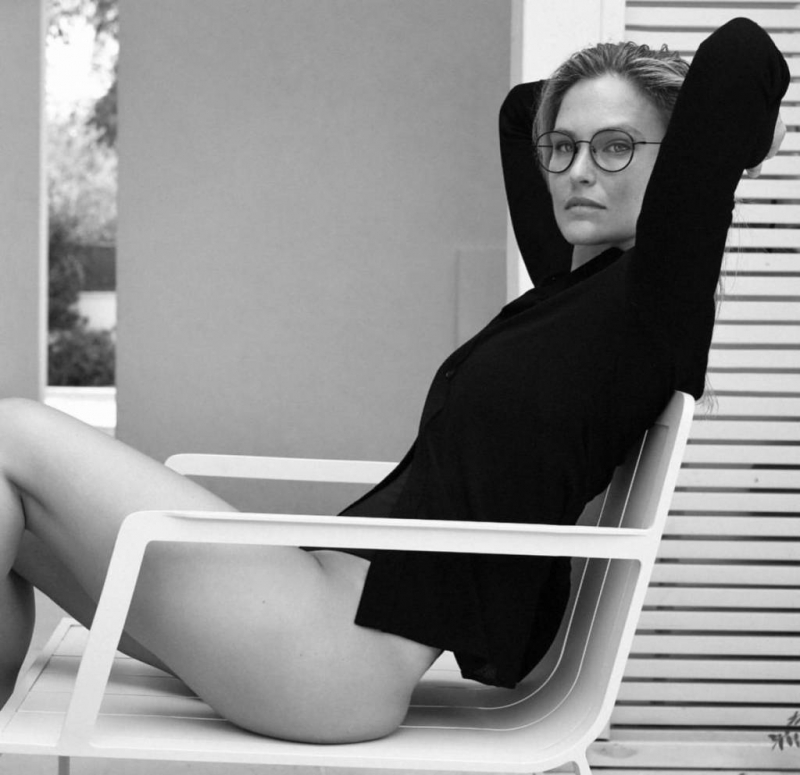 Bar Refaeli Carolina Lemke gözlük çekimlerinde