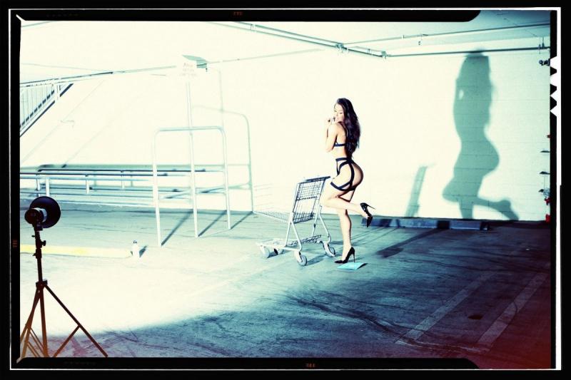 Aubrey Evans Beverly Hills'de çekimlerde