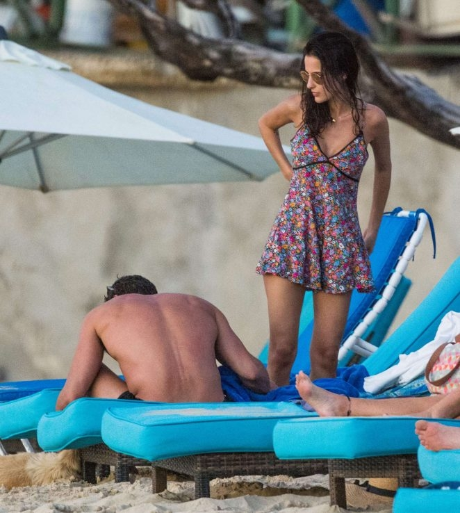 Lucy Watson Barbados'ta