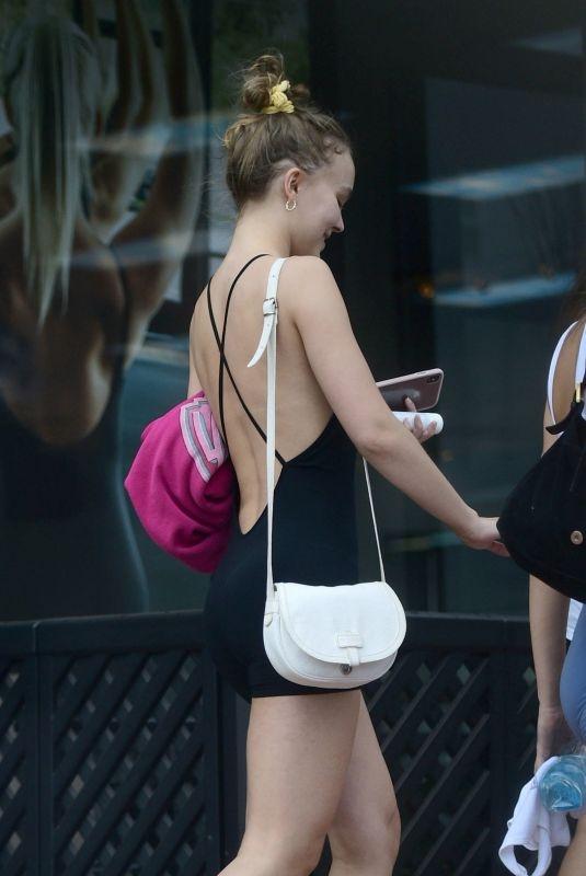Lily Rose Depp taytla Los Angeles'ta