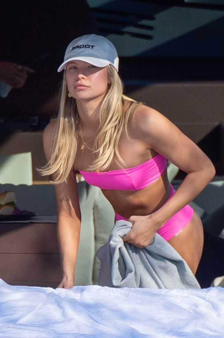 Josie Canseco pembe bikiniyle Miami'de botta