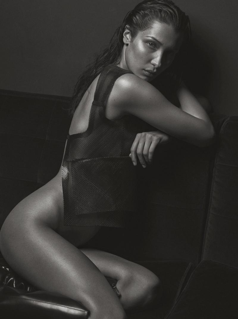 Bella Hadid – V Magazin