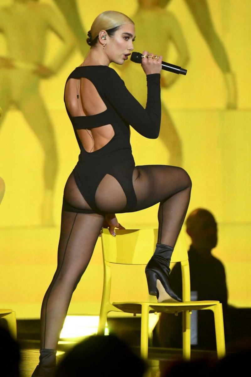 Dua Lipa MTV Müzik Ödülleri etkinliğinde
