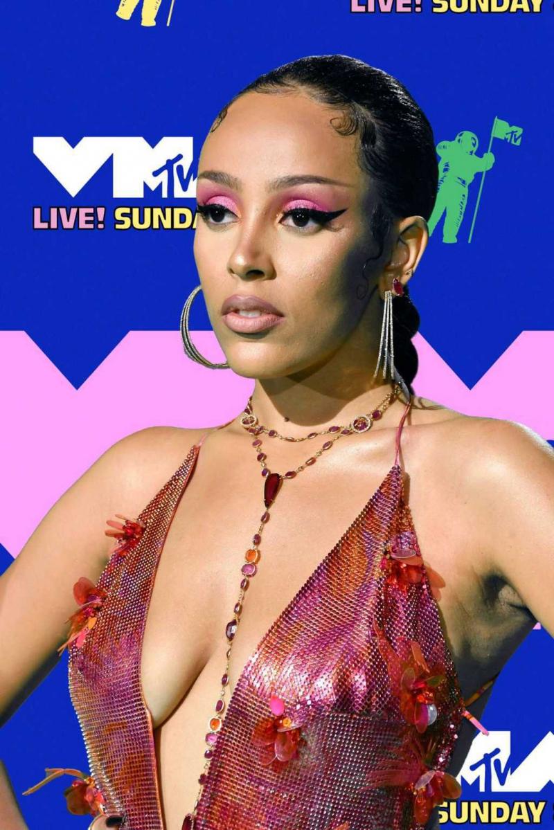 Doja Cat 2020 MTV Video Müzik Ödülleri etkinliğinde