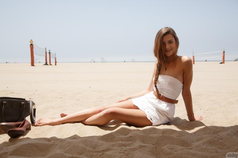 Alex Mae