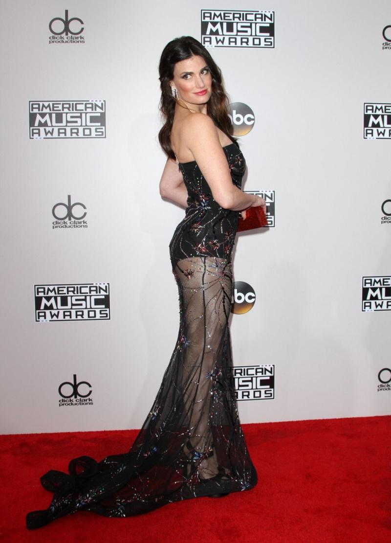 Idina Menzel Amerikan Müzik Ödülleri etkinliğinde