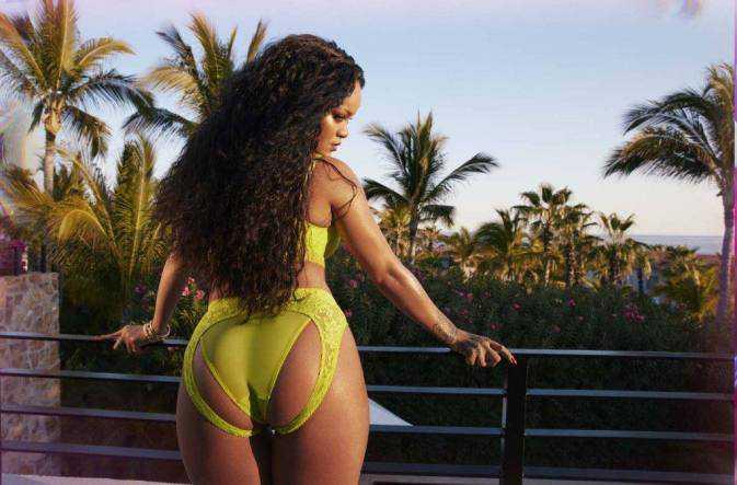 Rihanna Haziran 2020 çekimlerinde