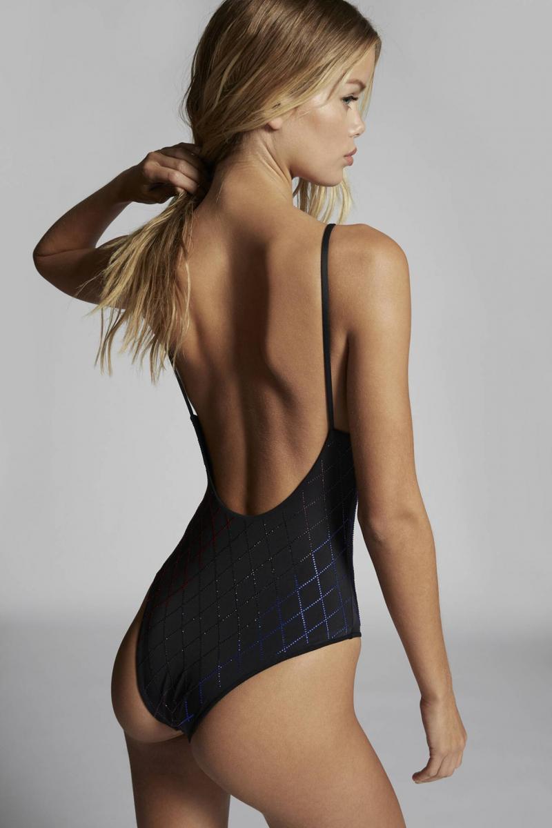 Frida Aasen Dsquared2 bikini ve iç çamaşırı çekimlerinde