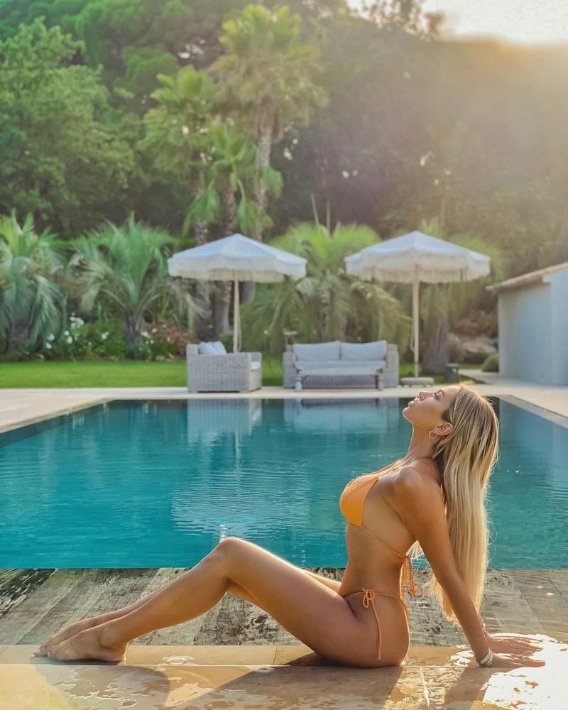 Khloe Terae bikini çekimlerinde