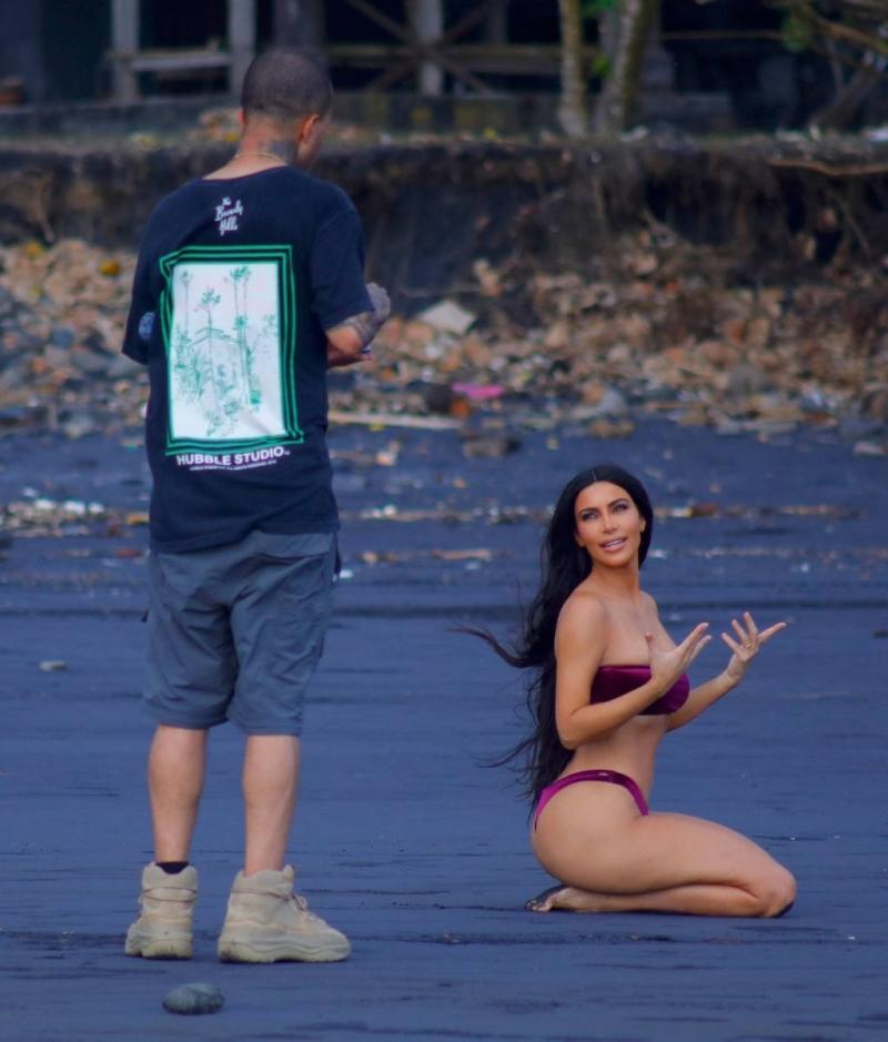 Kim Kardashian - Bali