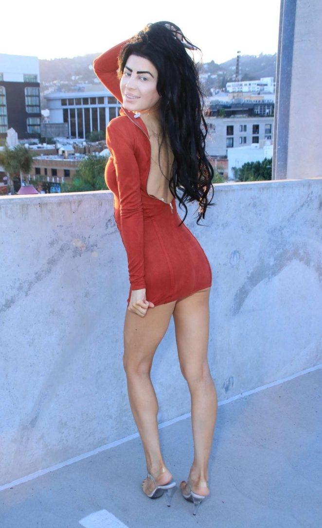 Melissa Howe - kırmızı mini elbise