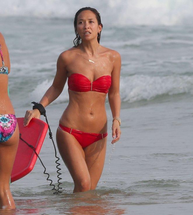 Myleene Klass kırmızı bikiniyle