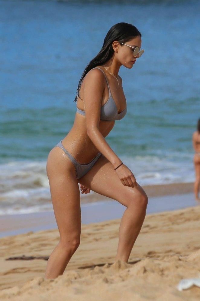 Eiza Gonzalez bikini ile Hawaii plajında