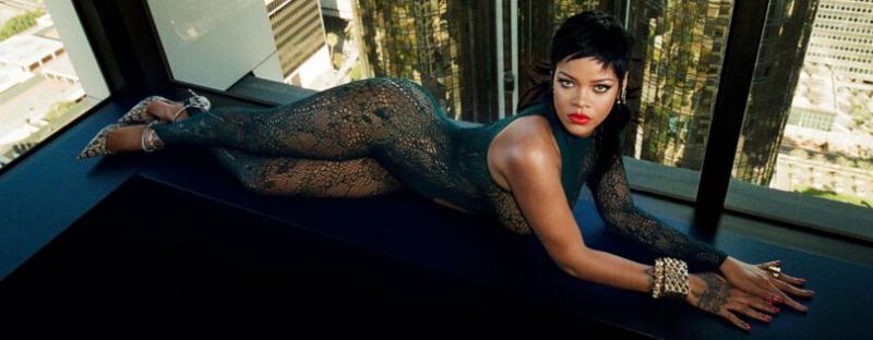 Rihanna Savage X Fenty iç çamaşırı çekimlerinde