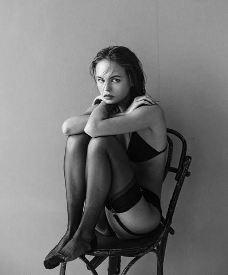 Anastasia Shcheglova çekimlerde