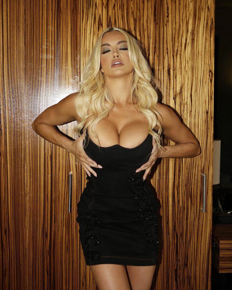 Lindsey Pelas siyah mini elbiseyle fotoğraf çekimlerinde