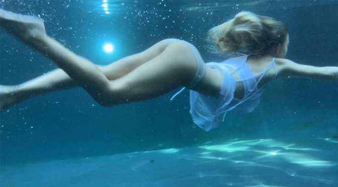 Sydney Sweeney su altında