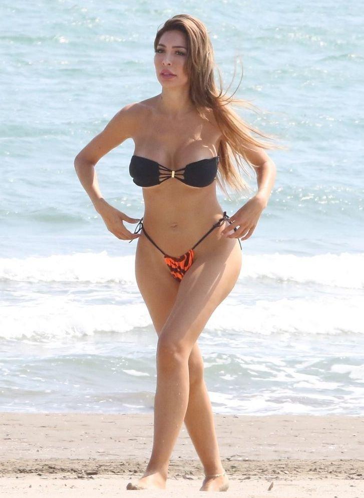 Farrah Abraham tanga bikini ile Venice plajında