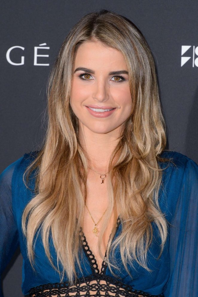 Vogue Williams lacivert mini elbise ile etkinlikte