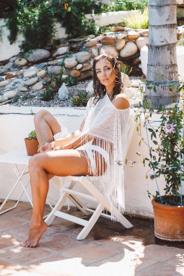 Rachel Cook bikini ile Jon Batario çekimlerinde