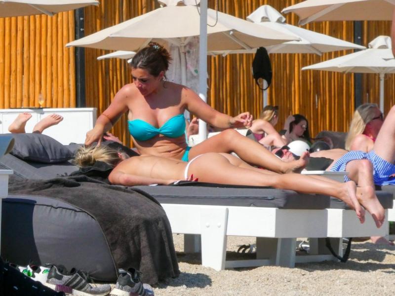 Elettra Lamborghini bikini ile Mykonos'ta